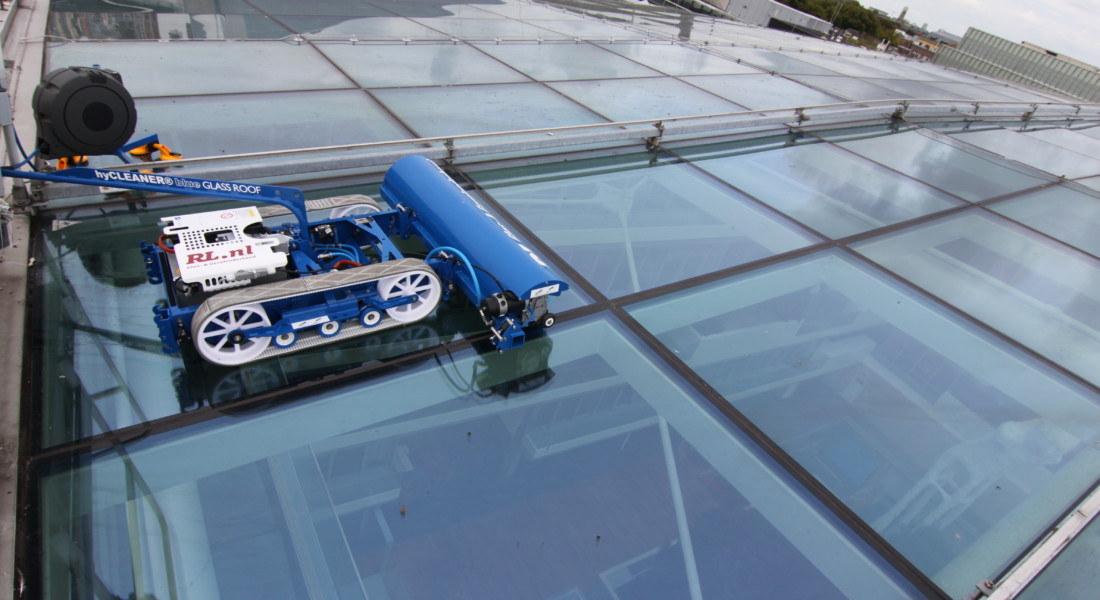 Robot For Glass Roof Cleaning
